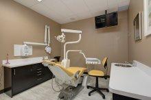fotel w gabinecie dentystycznym