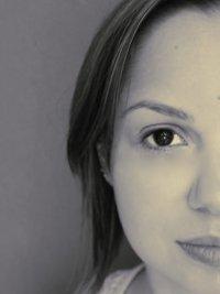pół twarzy kobiety